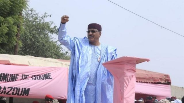 Niger ruling party's Bazoum extends lead in presidential election