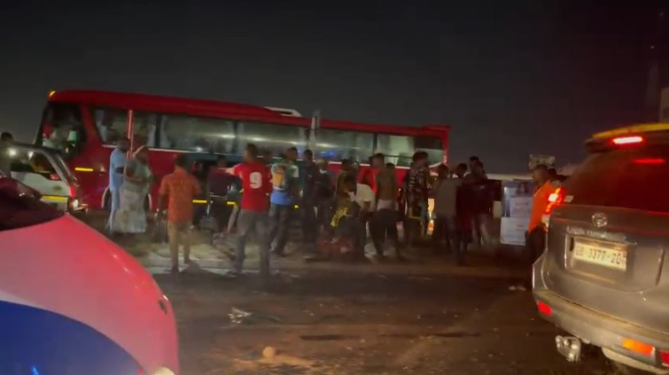 2 feared dead after 'trotro' crashed into faulty trailer on Tesano road